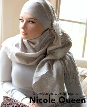 nicole-queen hijab