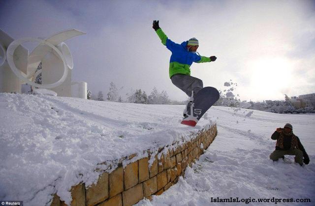 Salju 2013 di Arab 15