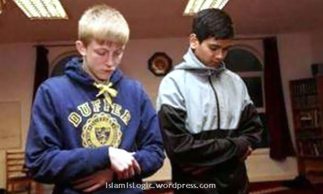 remaja islam shalat