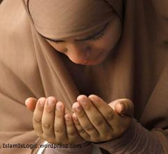 crying pray doa wanita muslm