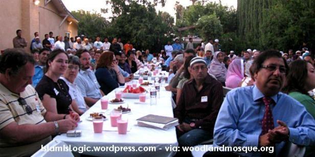 saat-non-muslim-california-pahami-islam-lewat-buka-puasa-masjid-an-nur-florida