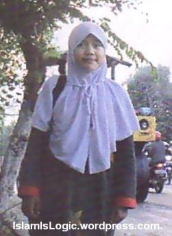 Fadhila Haifa Afifah anak-tukang-tambal-ban-ini-hafal-al-quran-30-juz-hanya-16-bulan 02